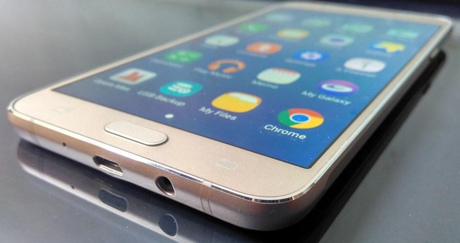 actualizar el software de Samsung J7--